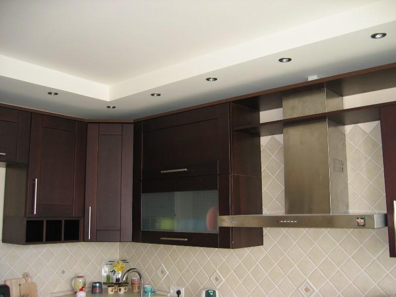 Дизайн гостиной с угловым диваном 18 кв.м